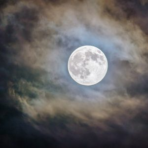 HOW TO WORK WITH… The Energy of the Full Moon (PRINTABLE)